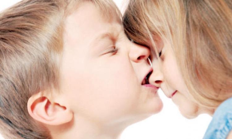 كيف تمنعي طفلك من العض؟