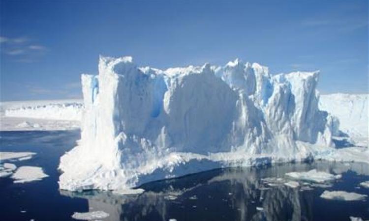 جليد القطب الجنوبى يواصل نموه رغم الاحتباس الحراري