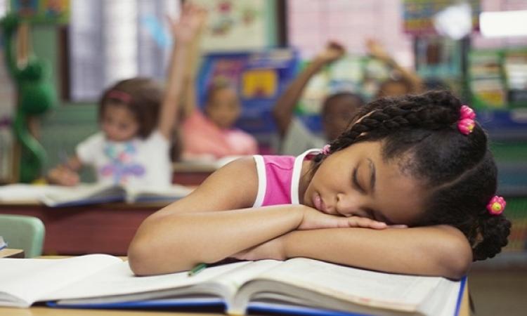 """تعلم اللغات الأجنبية """" ممكن """" أثناء النوم !!"""