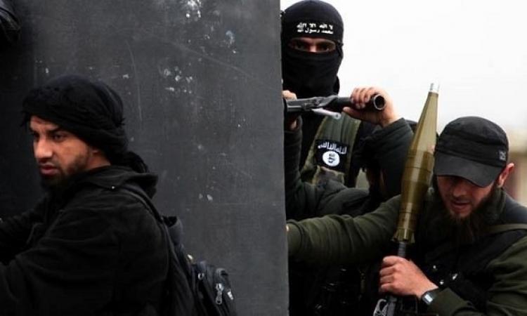 داعش تمنع أهالى الموصل من أداء صلاة العيد وزيارة المقابر