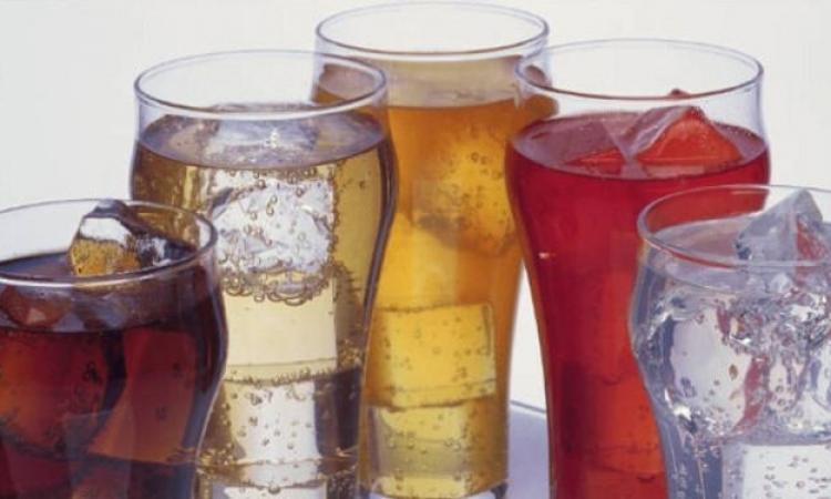 المشروبات الغازية تؤدي للتلف الدائم لأسنان الأطفال