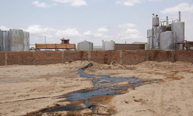 الإسكان تغلق ٦ مصانع بالعاشر من رمضان إدارياً لعدم توفيق أوضاعها البيئية