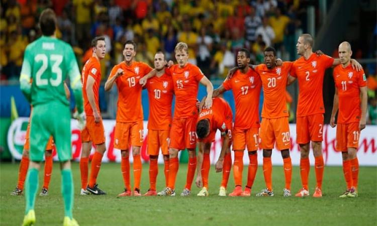 هولندا تنهى مغامرة كوستاريكا وتقصيها من المونديال بركلات الترجيح