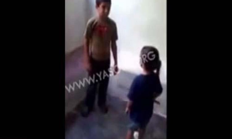 ضبط لبناني قام بتصوير نجله وهو يعذب طفلاً سوريًّا