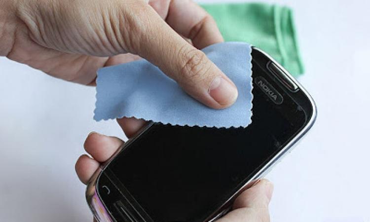 إليكي بعض الحيل لإزالة خدوش الهواتف وجعلها جديدة