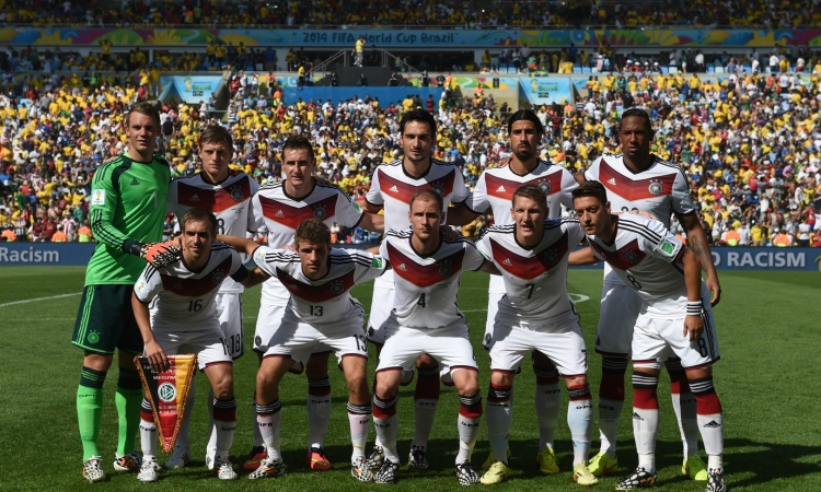 بالفيديو..التانغو يهزم الماكينات في اعادة لنهائي كأس العالم