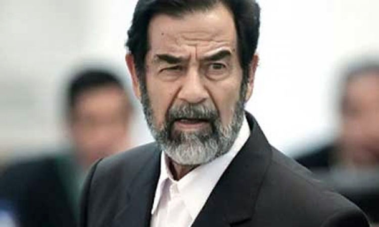 عراقيون يطالبون داعش بتفجير قبر صدام حسين