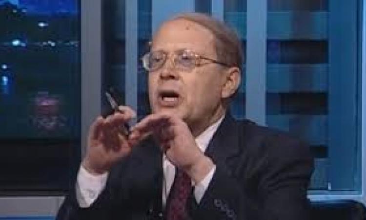 «قنديل»: الرئيس غامر بشعبيته بعد رفع أسعار الوقود.. وعليه تبرير قراره للشعب