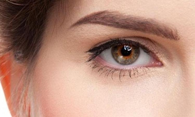 تعرفي كيف تحاربين تجاعيد العين؟