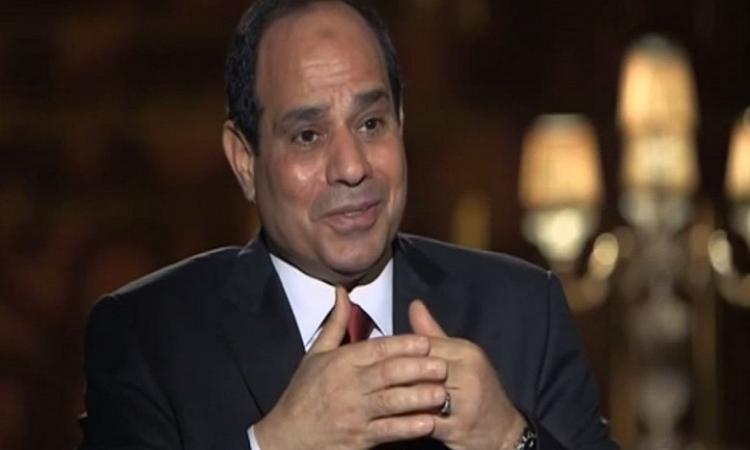 السيسي للإعلاميين : لا يوجد جندي مصري خارج الحدود