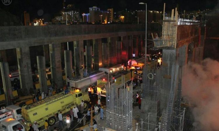 بالفيديو والصور .. السيطرة على حريق ضخم شب فى الحرم المكي