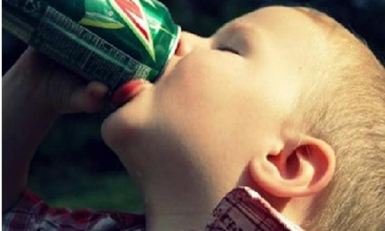 إمنعي أطفالك من شرب الكولا
