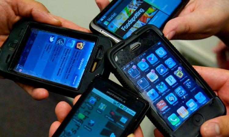 دراسة المانية : الهواتف الذكية تشتت تركيز الطلبة