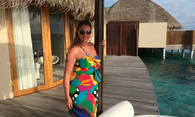 """بالصور .. """" السيدة الاولى """" تقضى إجازة استجمام بجزر المالديف"""