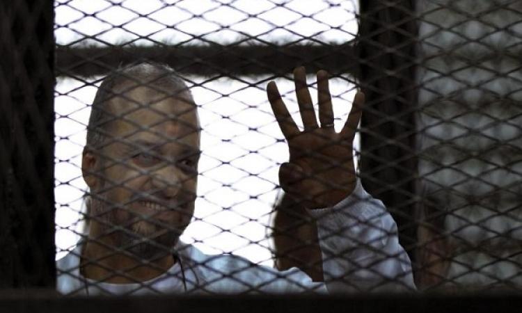 لإهانته المحكمة .. قاضي تعذيب ضابط رابعة يحرك دعوي جنائية ضد البلتاجي