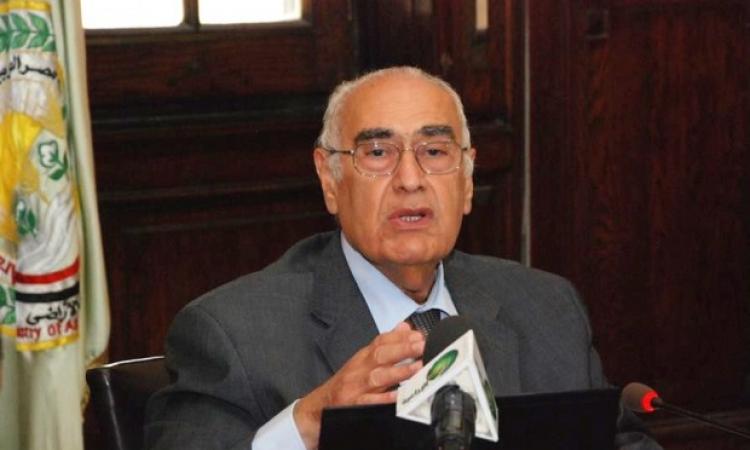 وزير الزراعة يذلل مشاكل مستثمري شرق العوينات