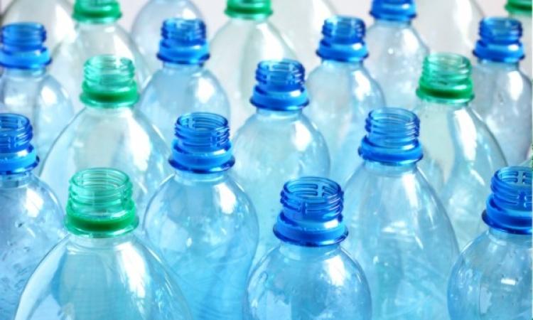 الزجاجات البلاستيكية تحوى مواد تؤدى للإجهاض