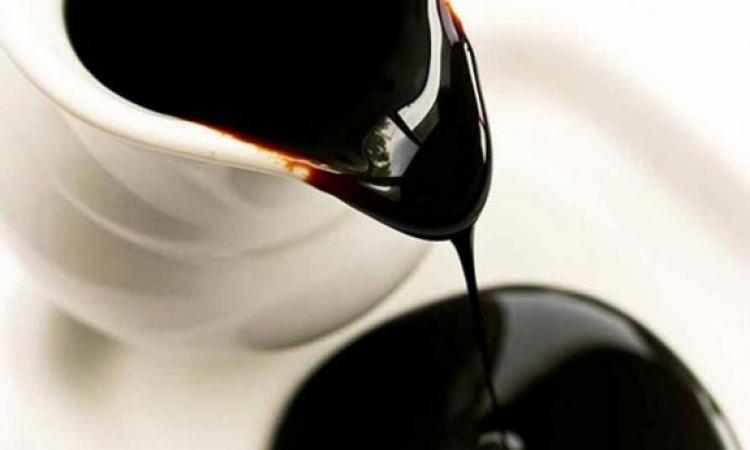 العسل الأسود يحمى البشرة وينشط الدورة الدموية