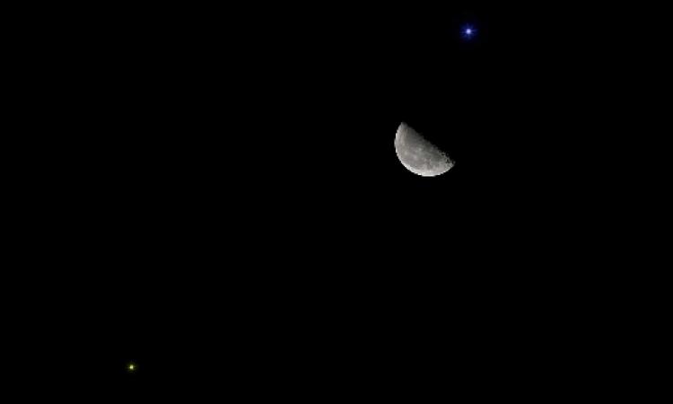 الليلة.. القمر قرب نجم السماك الأعزل فى ظاهرة ترى بالعين المجردة