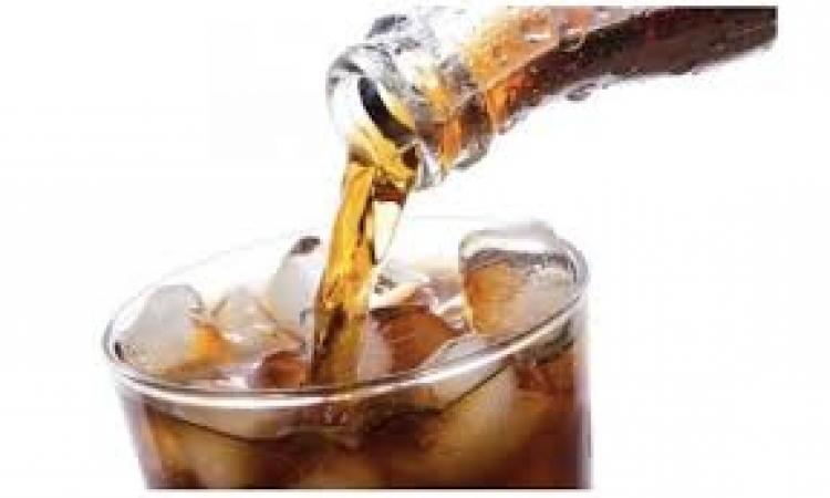 المشروبات الغازية تسبب الشيخوخة المبكرة .. وتقصر العمر