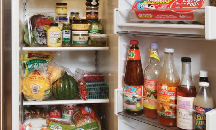 تعرفي على قواعد ترتيب الأطعمة داخل الثلاجة