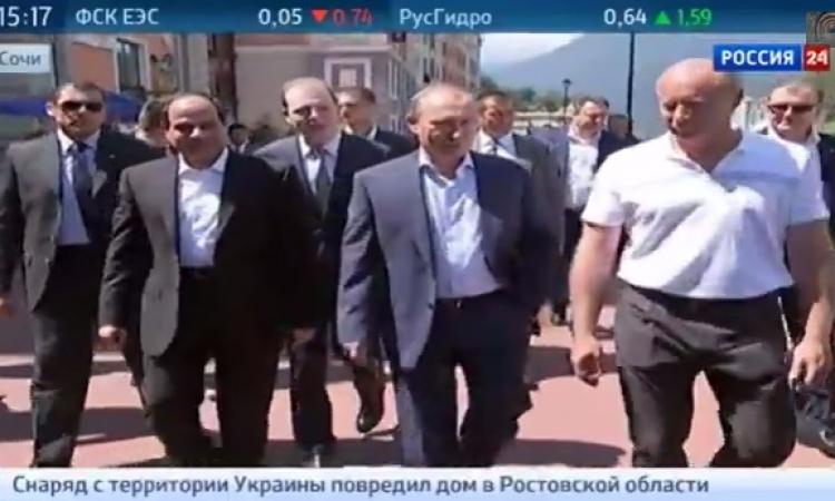 بالفيديو .. تليفزيون روسيا يتجاهل مرسى في تقرير حول علاقة رؤساء مصر بموسكو