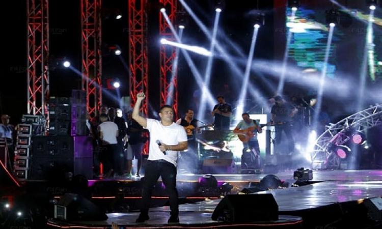 شاهد صور حفل عمرو دياب في موسى كوست برأس سدر