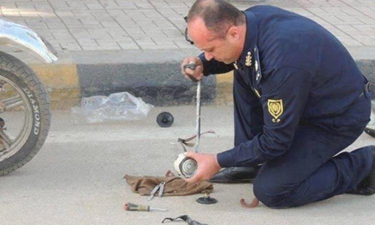 خبراء المفرقعات يبطلون مفعول قنبلة بجوار نيابة أمن الدولة بالتجمع