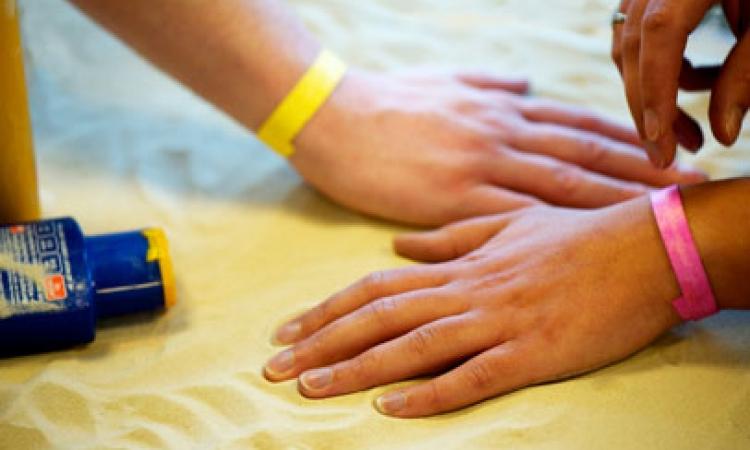 ابتكار سوار ذكي يحميك من سرطان الجلد