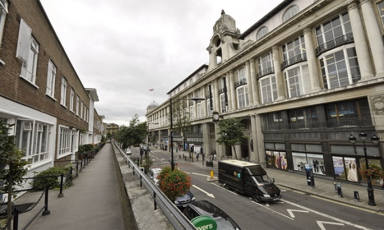 """سلطان بروناي يشترى شارع """" كوينزاوى"""" في قلب لندن"""