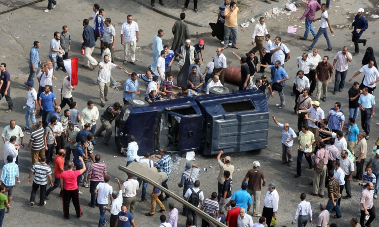 النيابة تأمر بحبس 5 أخوان فى أشتباكات ذكرى رابعة