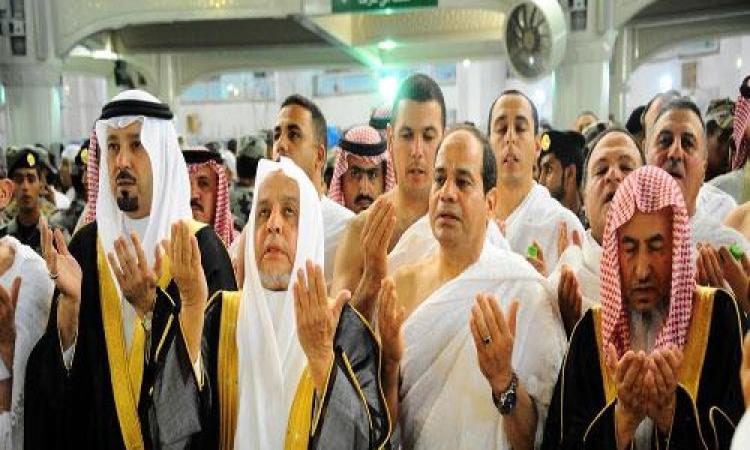بالصور .. الرئيس السيسي يؤدي مناسك العمرة خلال زيارته للسعودية
