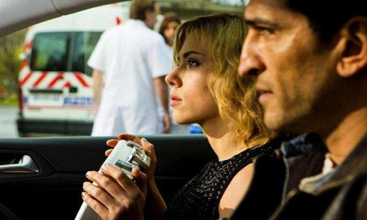 """بعد نجاح فيلمه عالميًا..عمرو واكد: لم أشاهد «لوسى""""»"""