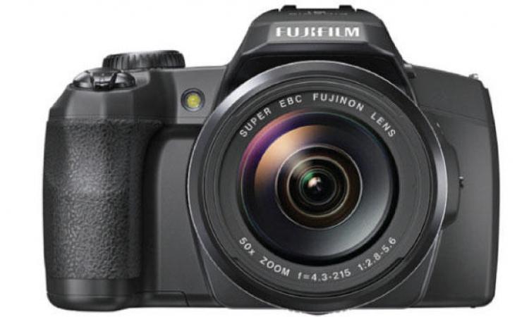 فوجي فيلم تكشف عن كاميرا فاخرة مزودة بمحدد منظر إلكتروني
