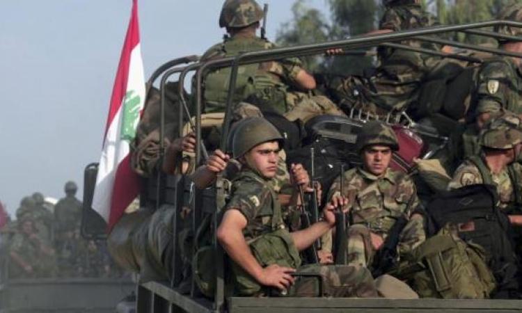 مقتل 8 جنود لبنانيين في اشتباكات مع مسلحين سوريين بمنطقة عرسال الحدودية