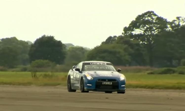 بالفيديو .. كفيف بريطاني يقود سيارة بسرعة 323 كلم !!