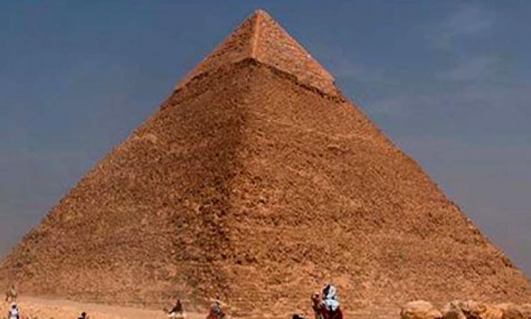 مصر تستعيد عينات للملك خوفو استولى عليها باحثان ألمانيان منذ عام