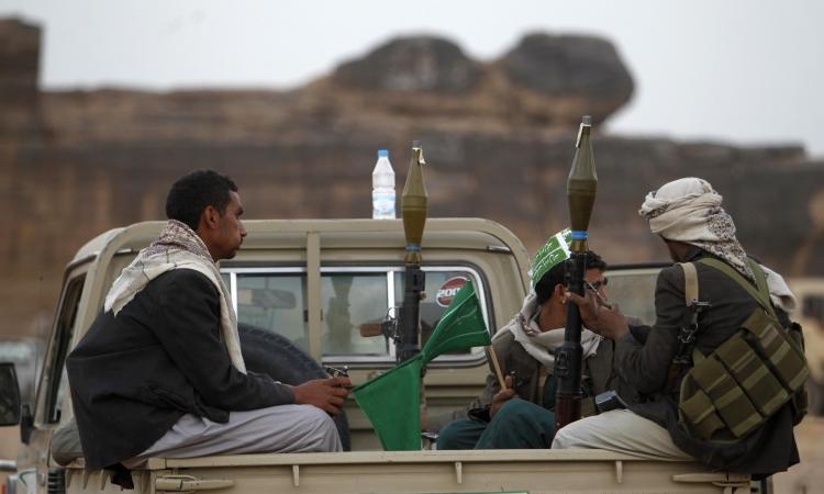 مقتل 22 في اشتباكات بين الحوثيين والقبائل فى اليمن