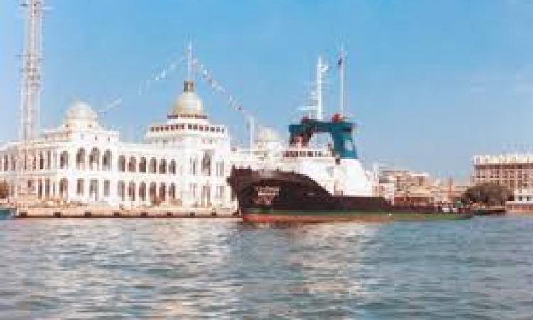 هيئة قناة السويس تنفى مرور سفن حربية إسرائيلية