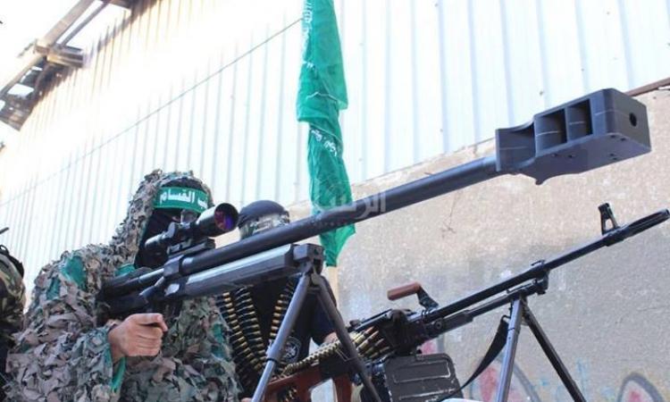 كتائب القسام تكشف عن بندقية قنص من صنعها بمدى 2 كلم