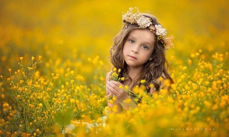 بالصور .. امتزاج براءة الطفولة وسحر الطبيعة .. في صور أم لصغارها