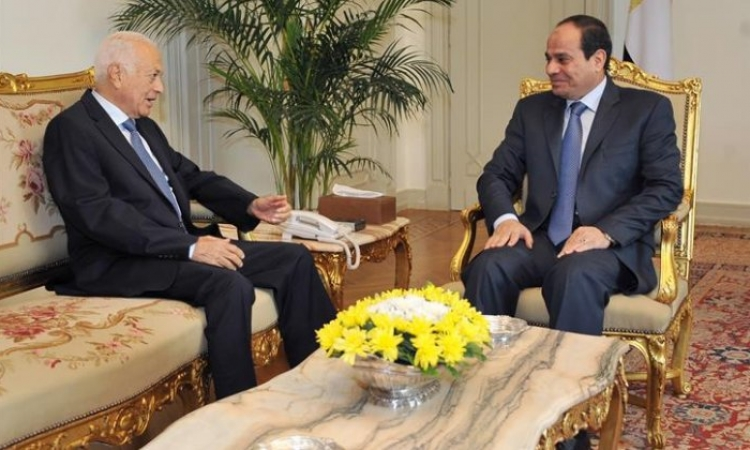 """الرئيس يلتقي  بـ """"نبيل العربى"""" لبحث الأوضاع الحالية"""