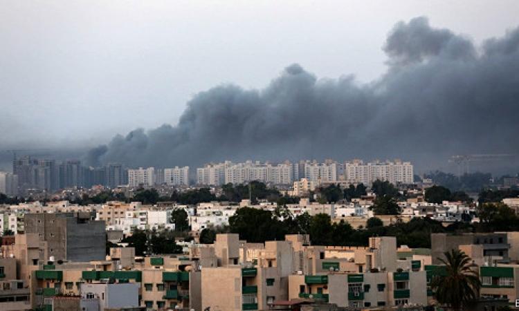 ميليشيا ليبية تسيطر على مطار طرابلس وتتهم مصر والامارات بقصف مسلحيها