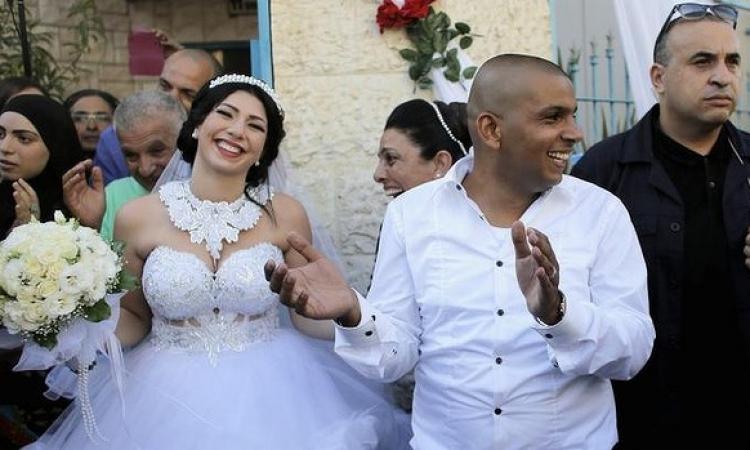 بالصور .. يهودية تعلن إسلامها لتتزوج من عربي .. وغضب بين المستوطنين