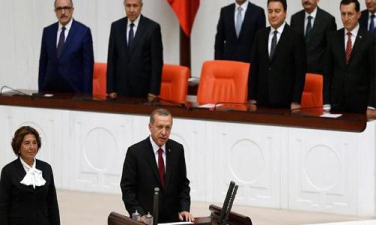 مشادات في البرلمان التركي أثناء أداء أردوغان للقسم