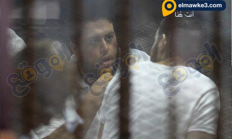 """بالصور.. محاكمة بديع ونجل خيرت الشاطرفي قضية  """" غرفة عمليات رابعة """""""