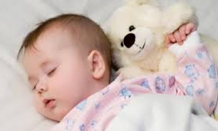 9 طرق لتجعلى نوم ابنك اسهل