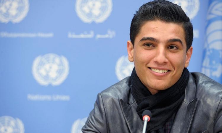 محمد عساف: «وامرق ع #غزة بوسلي رملها»