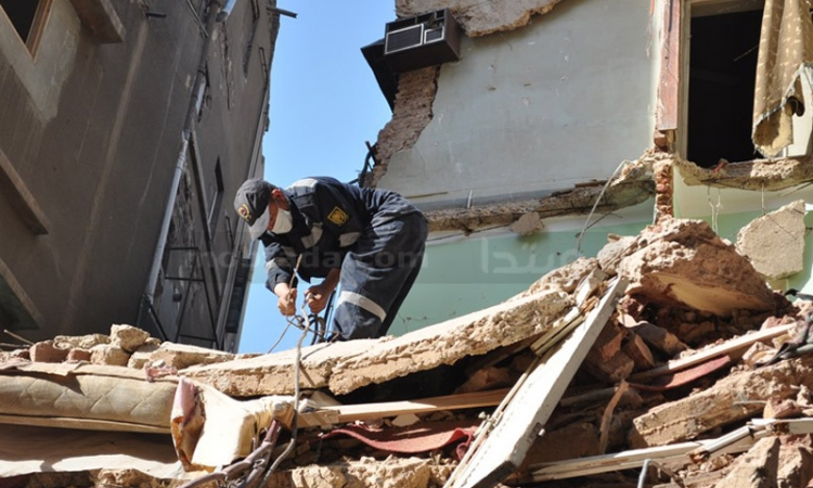 مصرع ربة منزل وابنتها بعد انهيار سقف المنزل عليهما بالمنيا