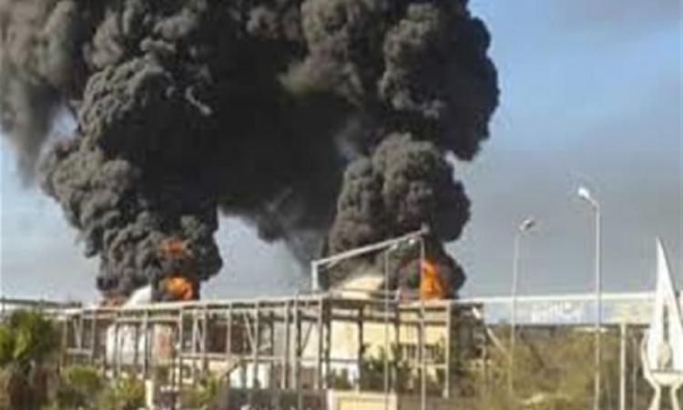 حريق هائل بالشركة الدولية للمطاحن في العاشر من رمضان